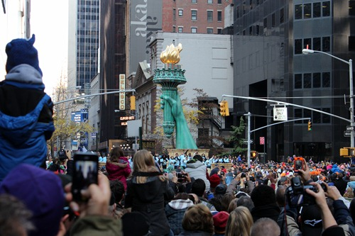 statue of liberty float