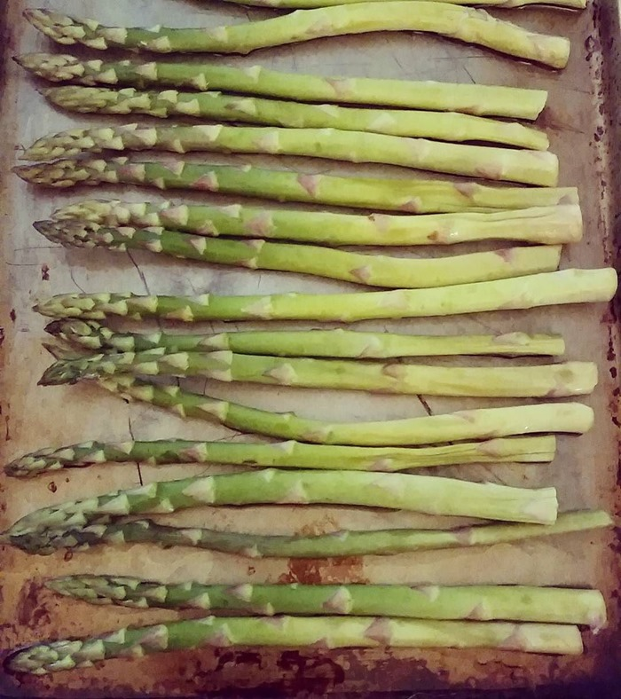 Current_obsession.__spring__asparagus__vegetables__seasonalproduce