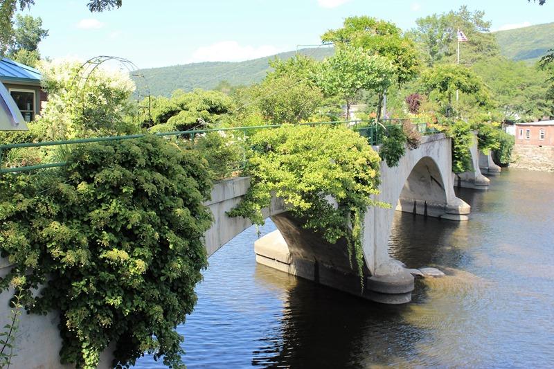 Shelburne Falls MA - Bridge of Flowers (8)