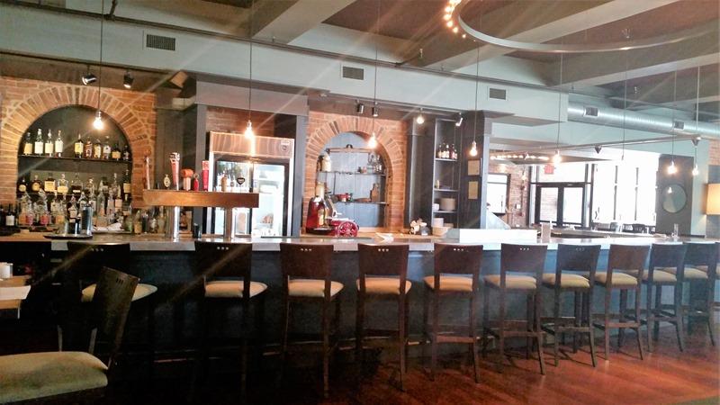 Eat on North bar